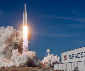 How to watch the launch of SpaceX's private rockets Sunday
