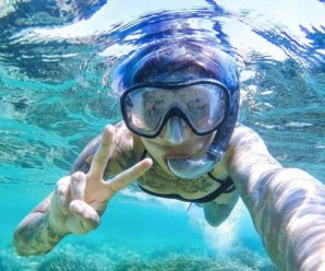 How to take pictures under water with an iPhone?