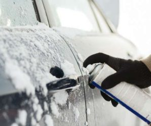 How to unlock your car from snow?